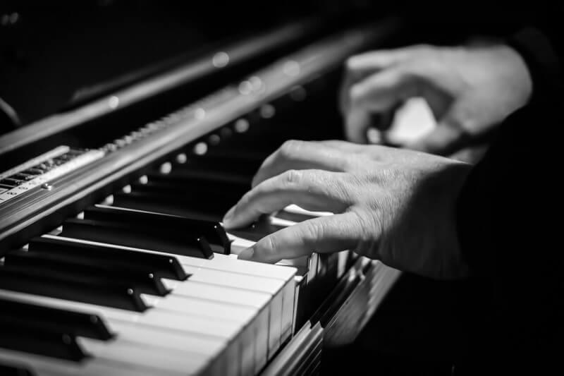 piano fingertips