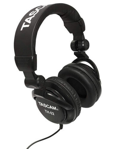 Tascam TH-02 closed-back headphones